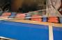 Può utilizzare Film neutri o stampati, Film monopiega o foglia piana (quali POLIOLEFINA, POLIPROPILENE, BOPP, PE e Film a Barriera) Anche per confezione in atmosfera modificata/sottovuoto con saldature ermetiche.